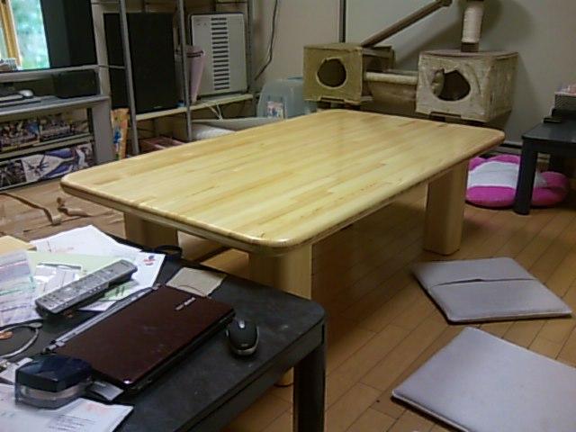 特注のダイニングテーブル