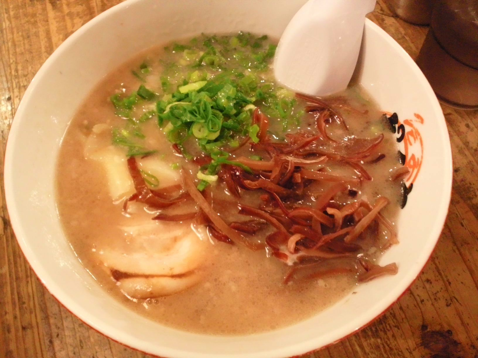 だるま ワンタン麺